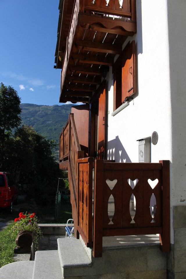 Soluzione Indipendente in vendita a Fenis, 3 locali, zona Zona: Cors, prezzo € 140.000   Cambio Casa.it
