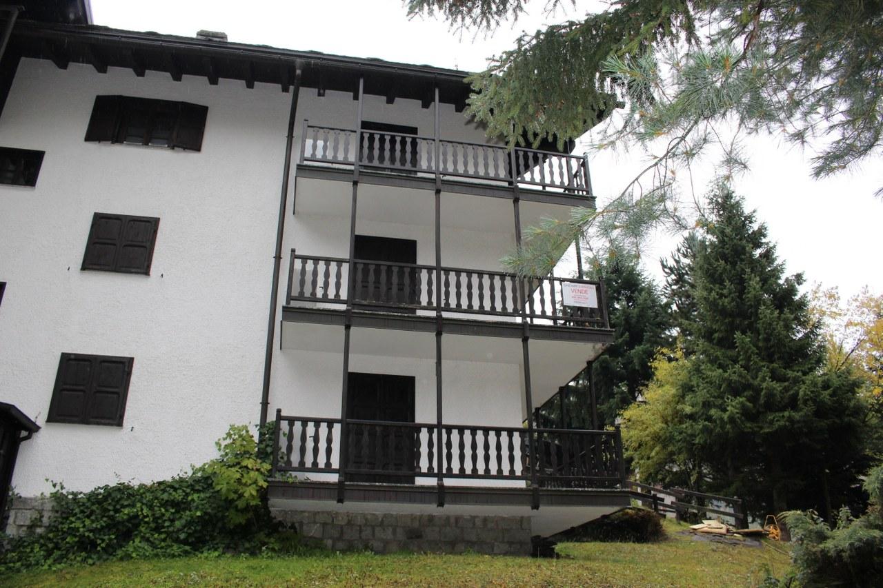 Appartamento in vendita a Valtournenche, 4 locali, prezzo € 230.000 | Cambio Casa.it