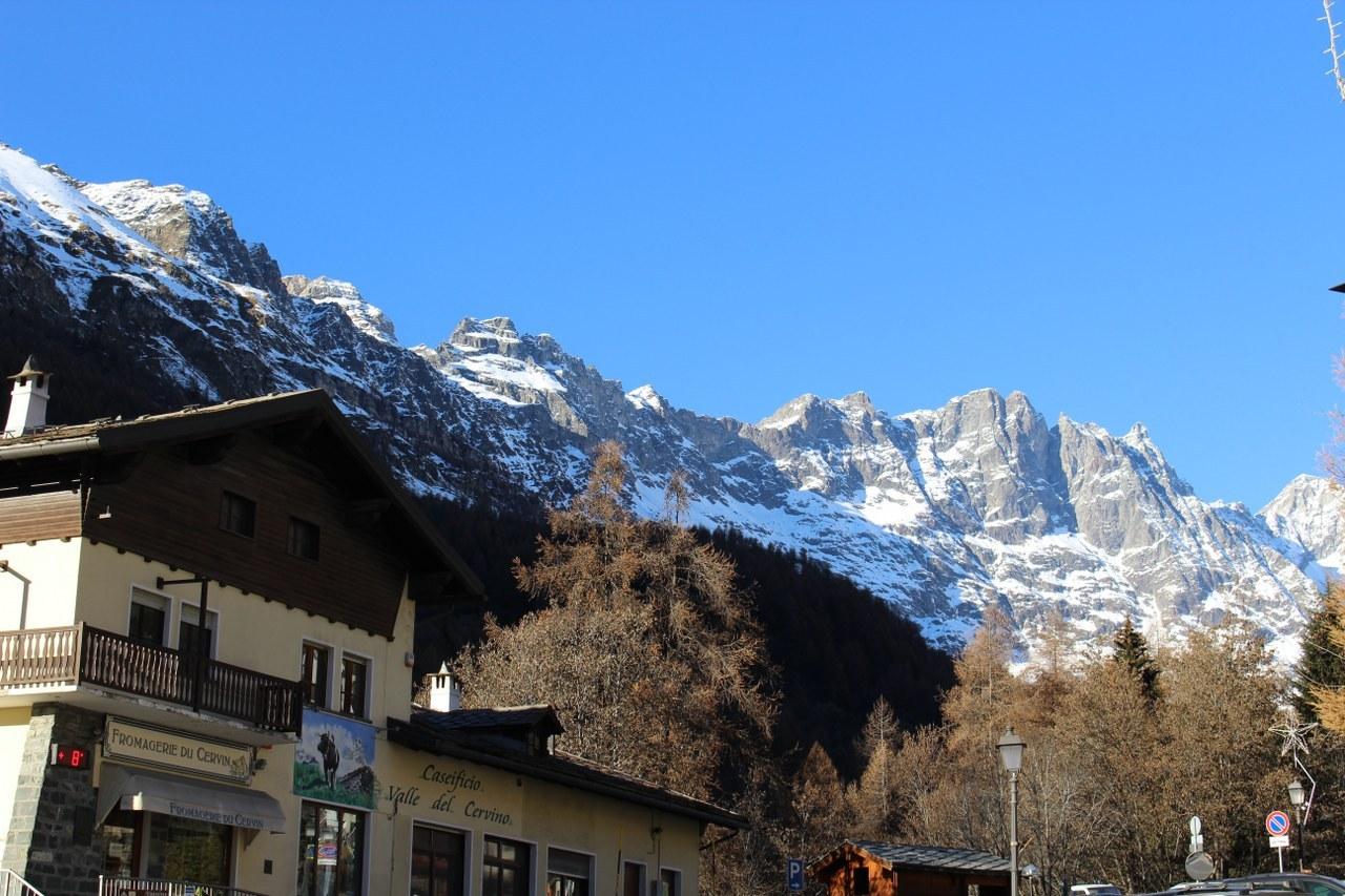 Appartamento in vendita a Valtournenche, 2 locali, prezzo € 179.000 | CambioCasa.it