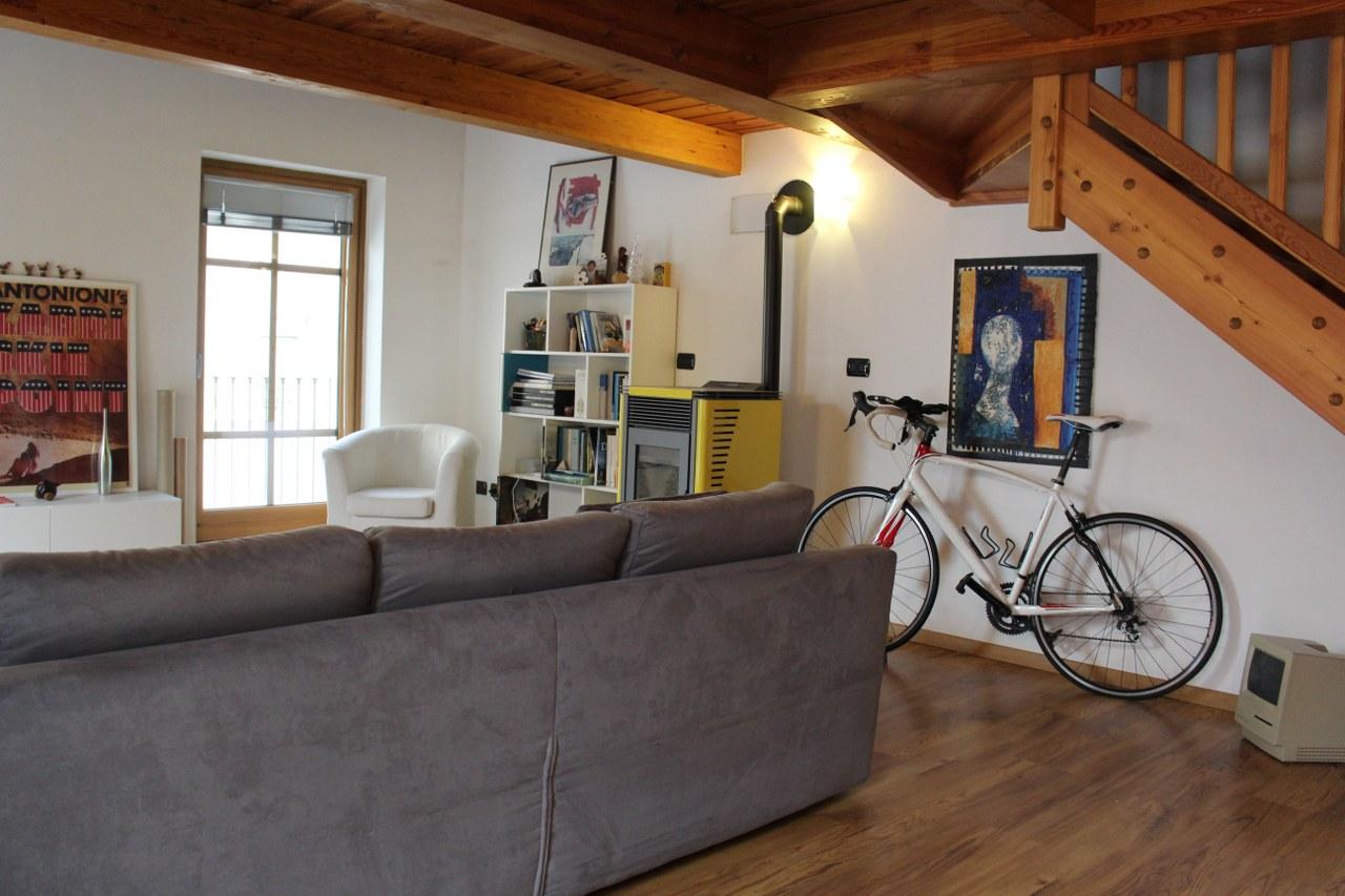 Appartamento in affitto a Aosta, 1 locali, zona Zona: Centro, prezzo € 600 | Cambio Casa.it