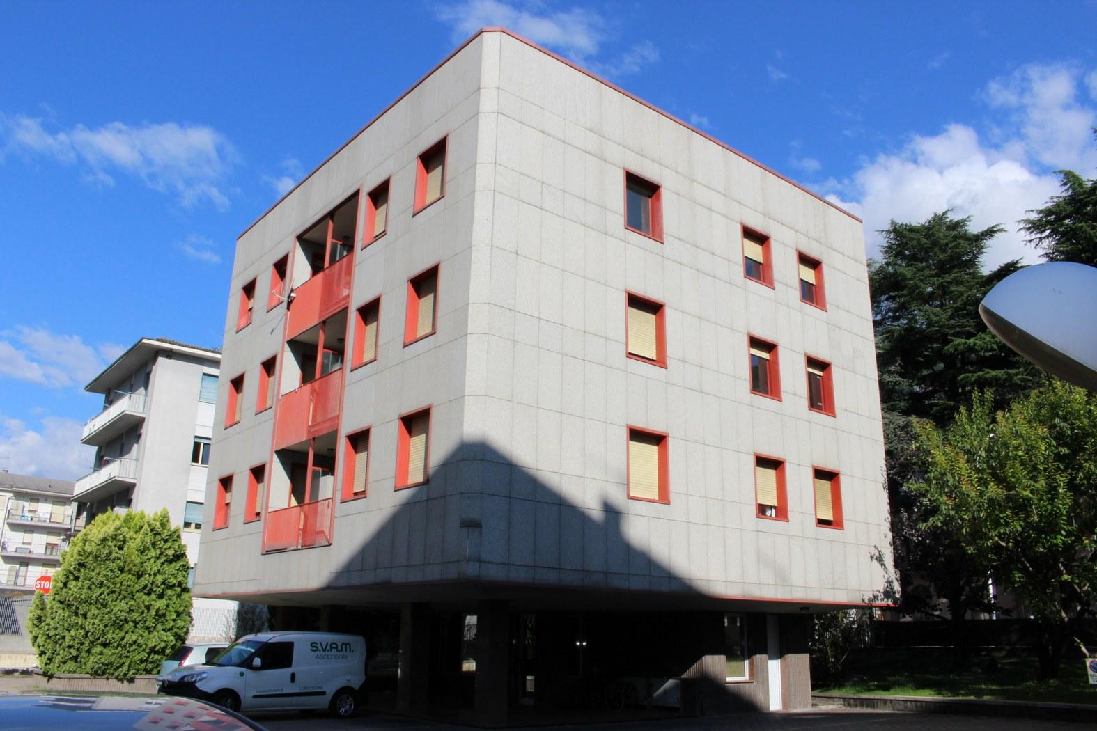 Appartamento in vendita a Aosta, 4 locali, zona Zona: Semicentro, prezzo € 179.000   CambioCasa.it