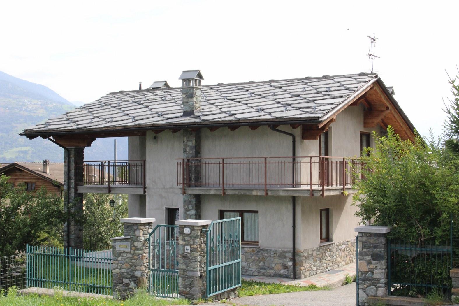Villa in vendita a Brissogne, 8 locali, prezzo € 320.000 | CambioCasa.it