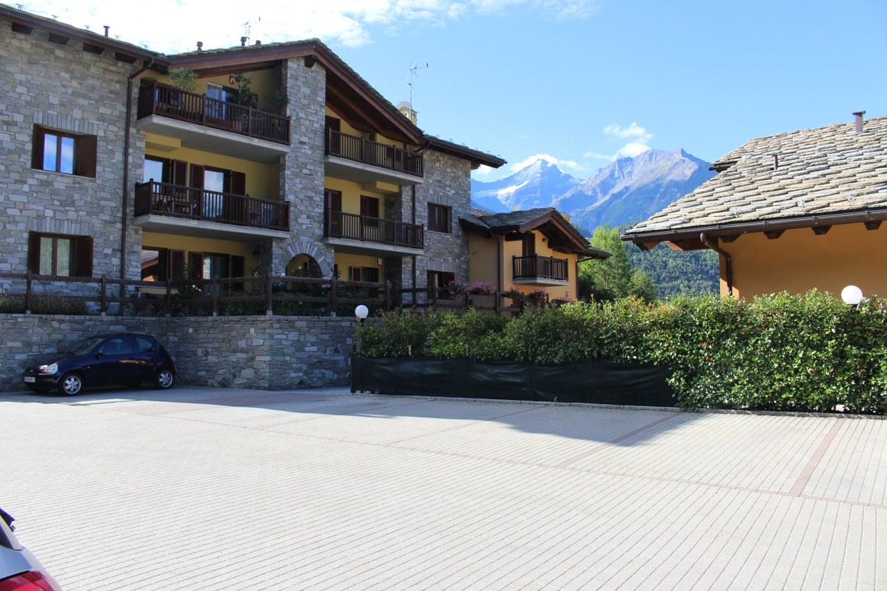 Appartamento in vendita a Saint-Pierre, 4 locali, prezzo € 320.000 | CambioCasa.it