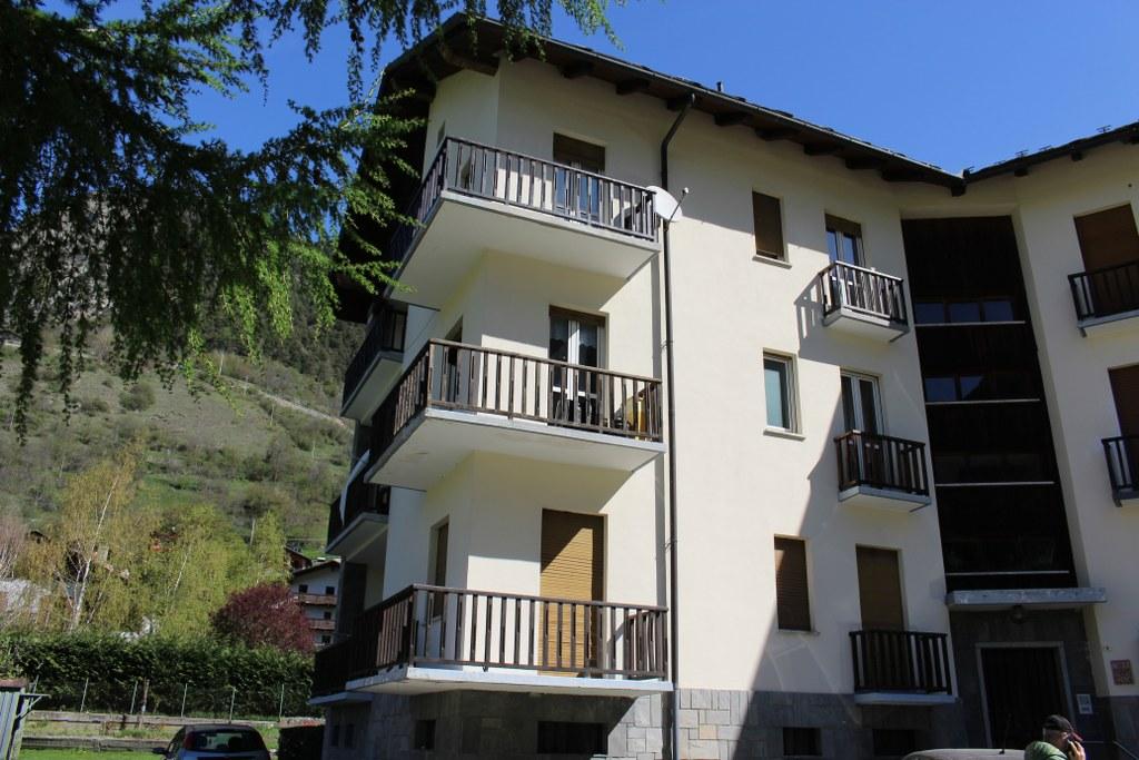 Appartamento in vendita a Valpelline, 4 locali, prezzo € 110.000 | CambioCasa.it