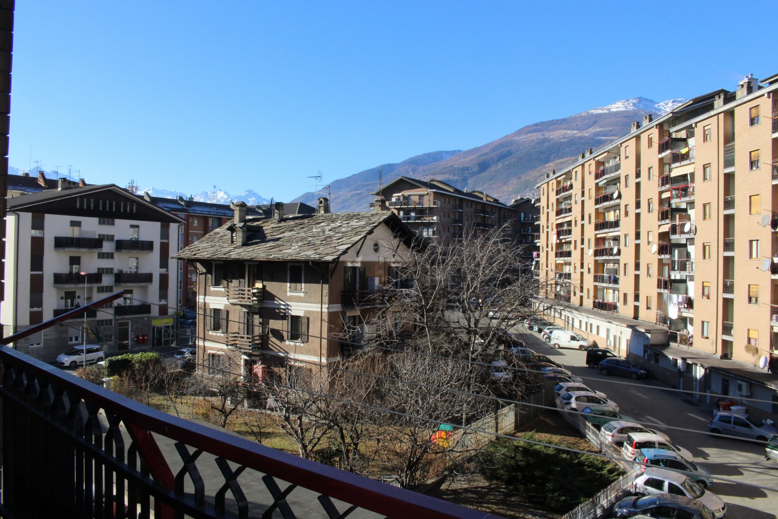 Appartamento in vendita a Aosta, 3 locali, zona Zona: Semicentro, prezzo € 160.000   CambioCasa.it
