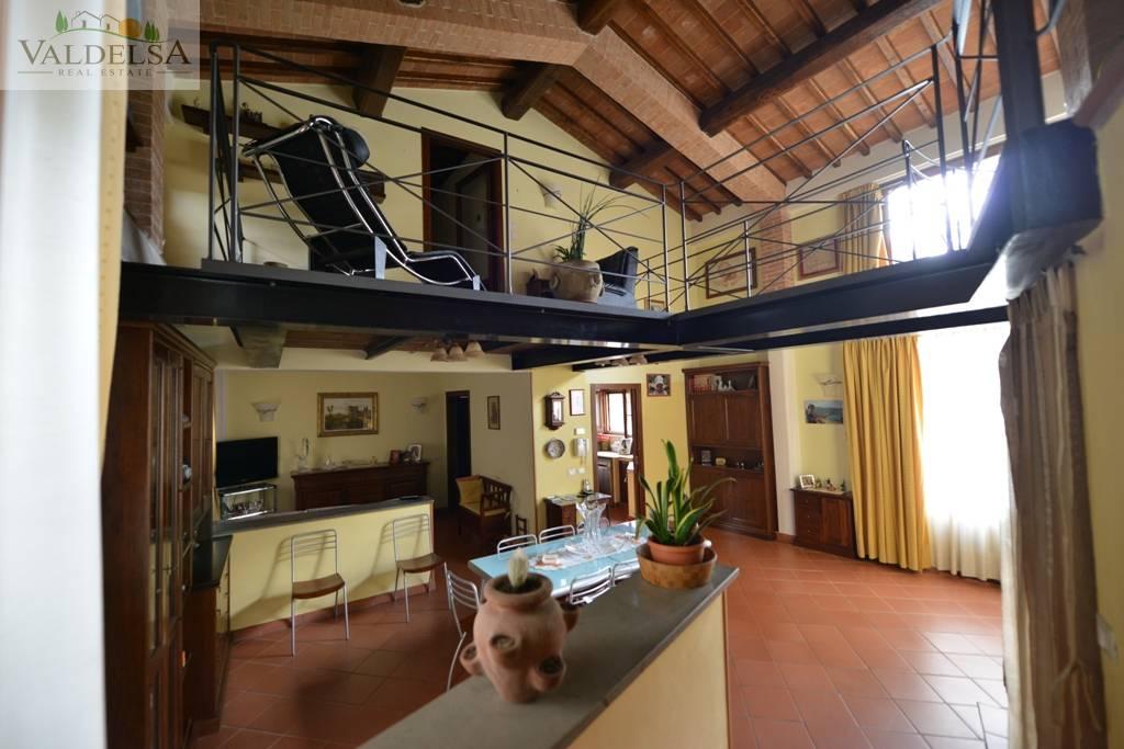 Rustico / Casale in vendita a Colle di Val d'Elsa, 5 locali, prezzo € 350.000 | Cambio Casa.it