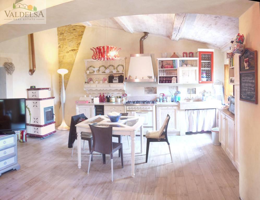 Rustico / Casale in vendita a Colle di Val d'Elsa, 3 locali, prezzo € 350.000 | Cambio Casa.it