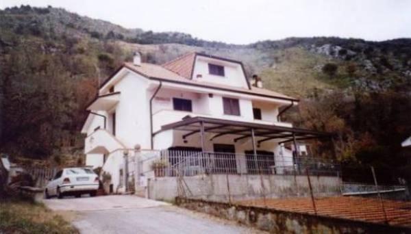 Villa in vendita a Roccasecca, 9999 locali, prezzo € 350.000 | Cambio Casa.it