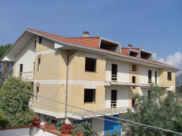 Appartamento in vendita a Roccasecca, 5 locali, prezzo € 125.000 | CambioCasa.it