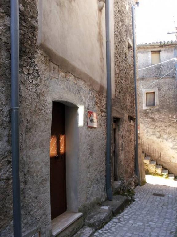 Soluzione Indipendente in vendita a Colle San Magno, 5 locali, prezzo € 44.500 | Cambio Casa.it