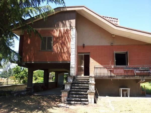 Villa in vendita a Roccasecca, 7 locali, prezzo € 120.000 | Cambio Casa.it