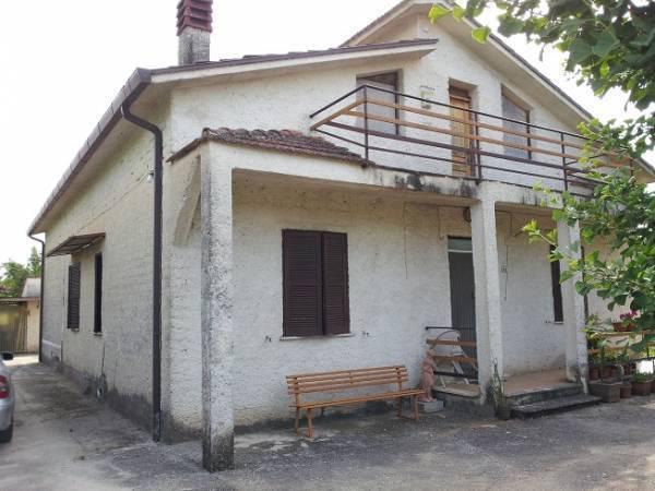 Soluzione Indipendente in vendita a Roccasecca, 6 locali, prezzo € 115.000 | Cambio Casa.it