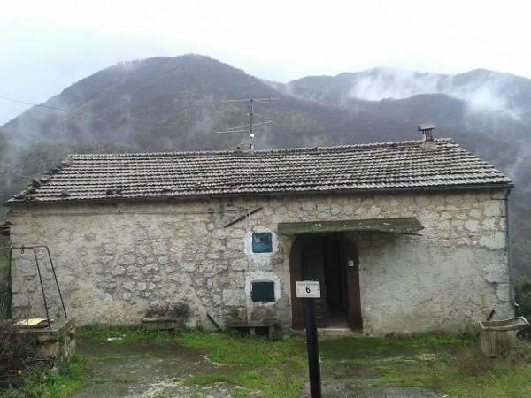 Soluzione Indipendente in vendita a Belmonte Castello, 3 locali, prezzo € 30.000 | CambioCasa.it
