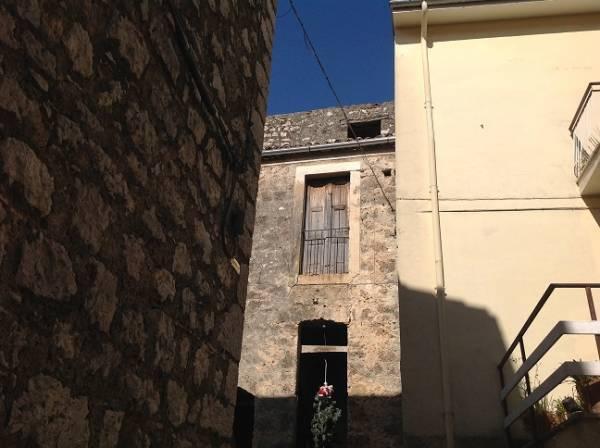 Rustico / Casale in vendita a Roccasecca, 6 locali, prezzo € 35.000 | Cambio Casa.it