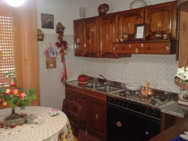 Soluzione Indipendente in vendita a Castrocielo, 11 locali, prezzo € 300.000 | Cambio Casa.it
