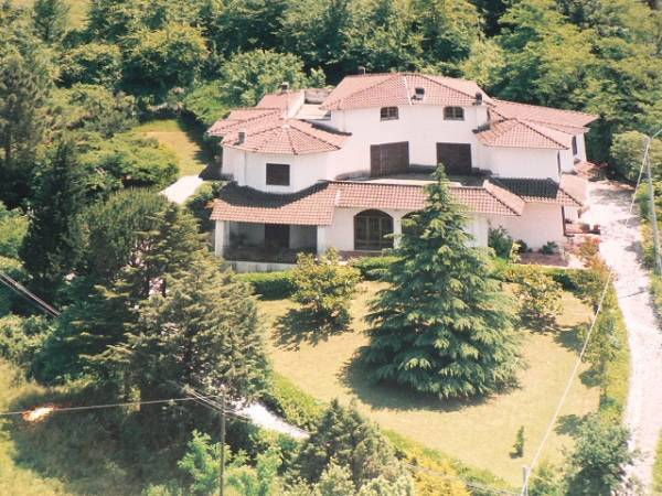 Villa in vendita a Sant'Ambrogio sul Garigliano, 19 locali, Trattative riservate | Cambio Casa.it