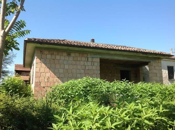 Rustico / Casale in vendita a Roccasecca, 7 locali, prezzo € 45.000 | CambioCasa.it