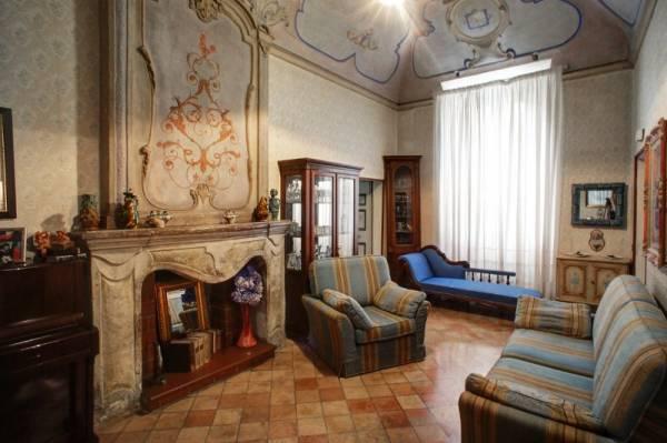 Appartamento in vendita a Boville Ernica, 9 locali, prezzo € 350.000 | Cambio Casa.it