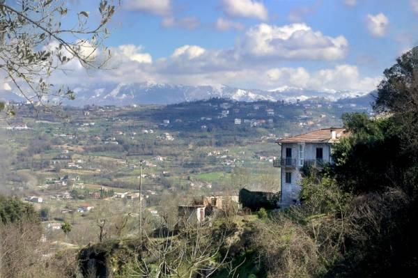 Soluzione Indipendente in vendita a Arpino, 8 locali, prezzo € 160.000 | Cambio Casa.it