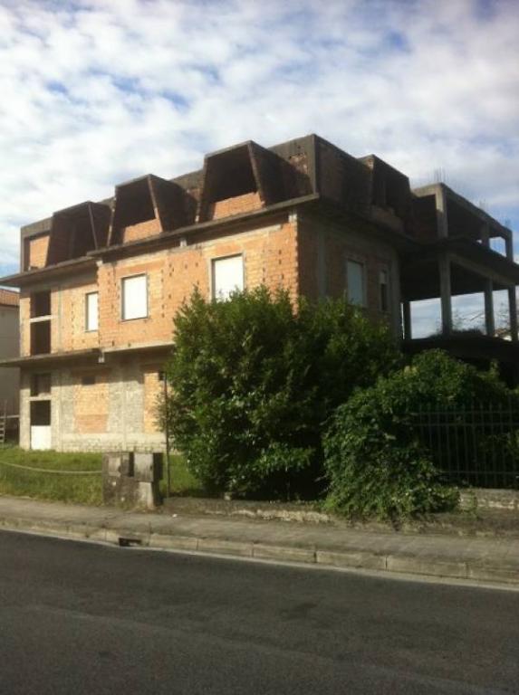 Palazzo / Stabile in vendita a Broccostella, 9999 locali, prezzo € 350.000 | Cambio Casa.it
