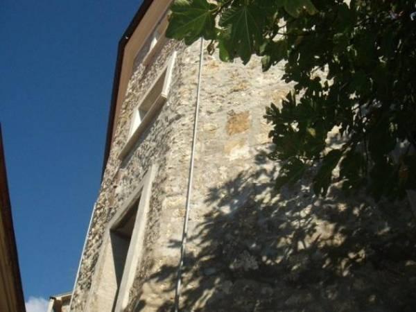 Palazzo / Stabile in Vendita a Roccasecca