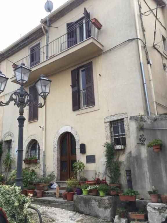Soluzione Indipendente in vendita a Arpino, 9 locali, prezzo € 165.000 | Cambio Casa.it