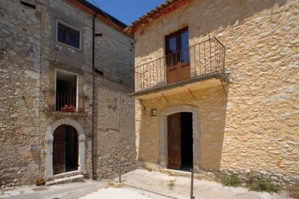 Soluzione Indipendente in vendita a Isola del Liri, 4 locali, prezzo € 75.000 | Cambio Casa.it