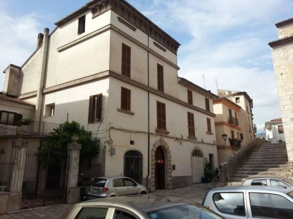 Rustico / Casale in vendita a Sant'Elia Fiumerapido, 18 locali, prezzo € 380.000 | Cambio Casa.it