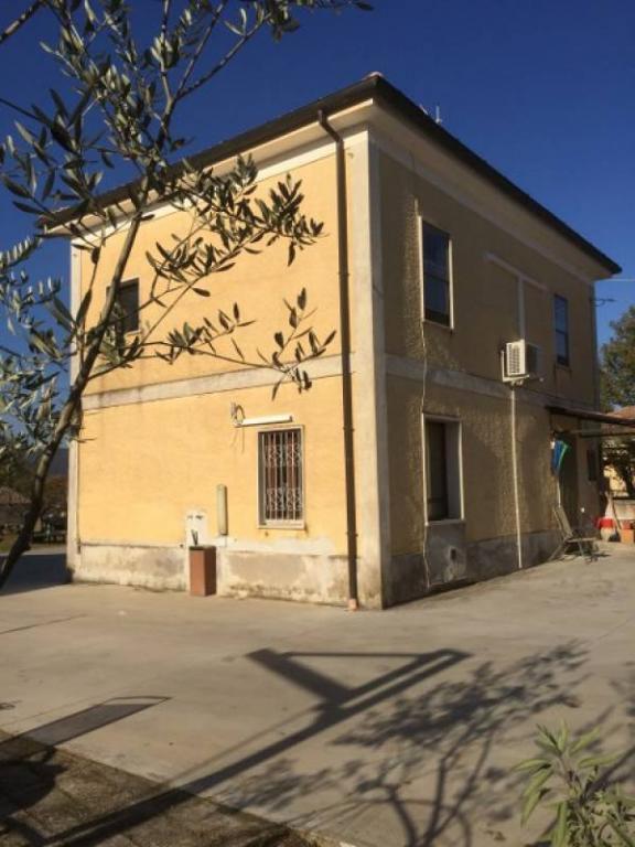Rustico / Casale in vendita a Casalvieri, 6 locali, prezzo € 76.000 | Cambio Casa.it