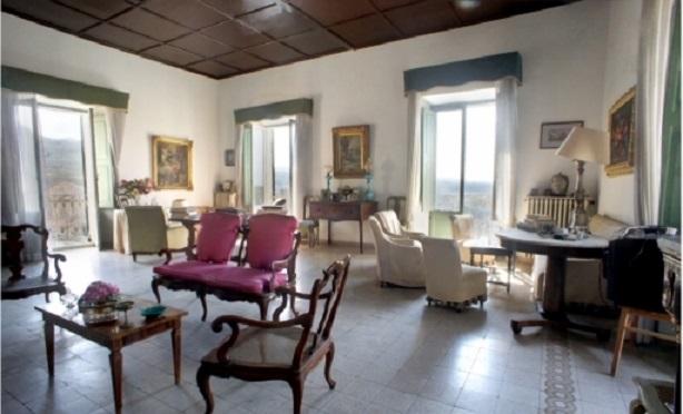 Rustico / Casale in vendita a Arpino, 11 locali, prezzo € 450.000 | Cambio Casa.it