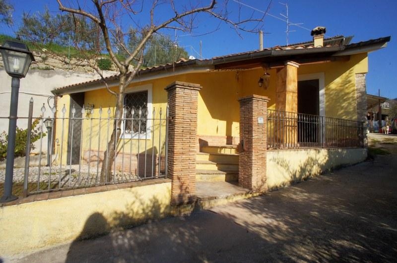 Soluzione Indipendente in vendita a Arpino, 3 locali, prezzo € 55.000 | Cambio Casa.it