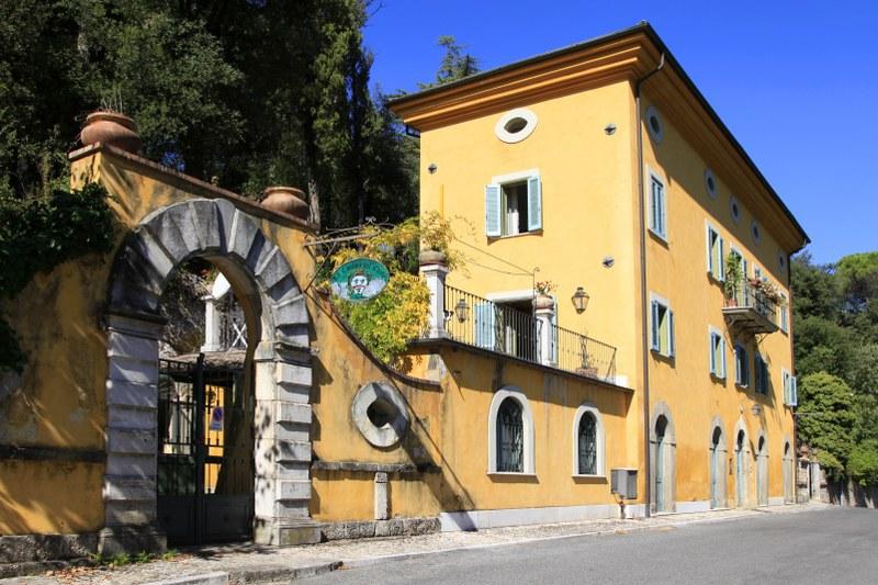 Villa in vendita a Monte San Giovanni Campano, 20 locali, zona Zona: Anitrella, Trattative riservate | Cambio Casa.it