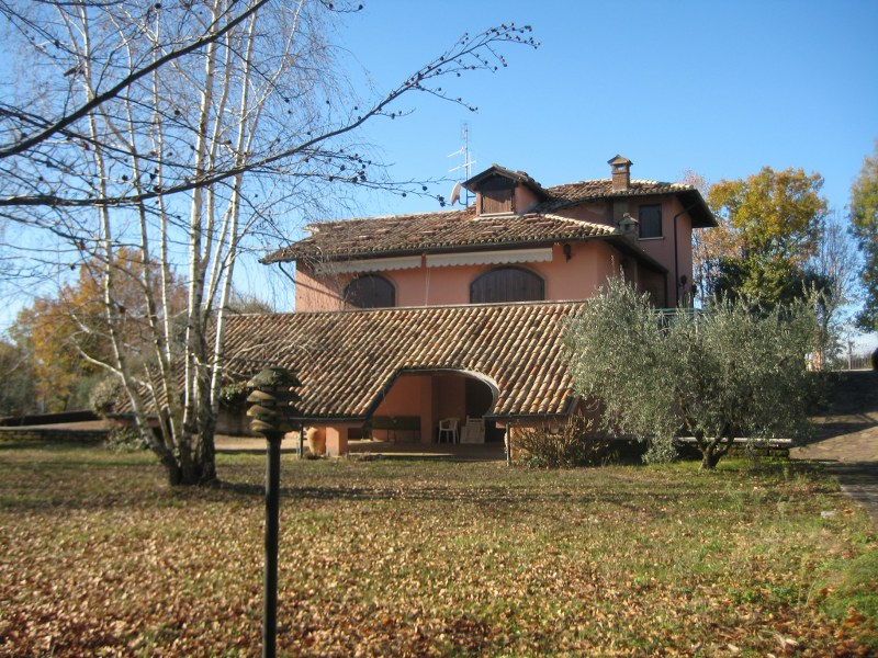 Villa in vendita a Vico nel Lazio, 15 locali, prezzo € 430.000 | Cambio Casa.it