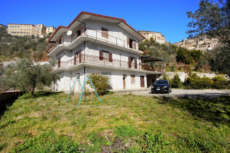 Soluzione Indipendente in vendita a Arpino, 15 locali, prezzo € 126.000 | Cambio Casa.it