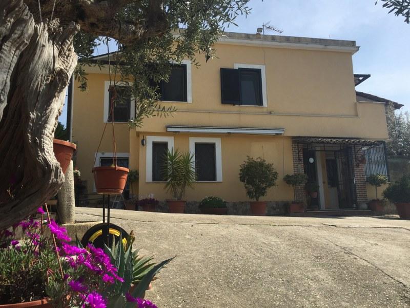 Soluzione Indipendente in vendita a Arpino, 8 locali, prezzo € 230.000 | Cambio Casa.it