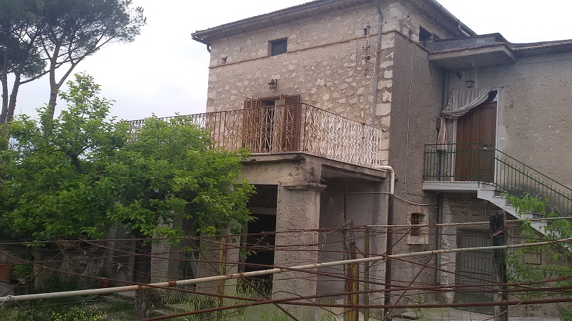 Soluzione Indipendente in vendita a Roccasecca, 10 locali, prezzo € 85.000 | Cambio Casa.it