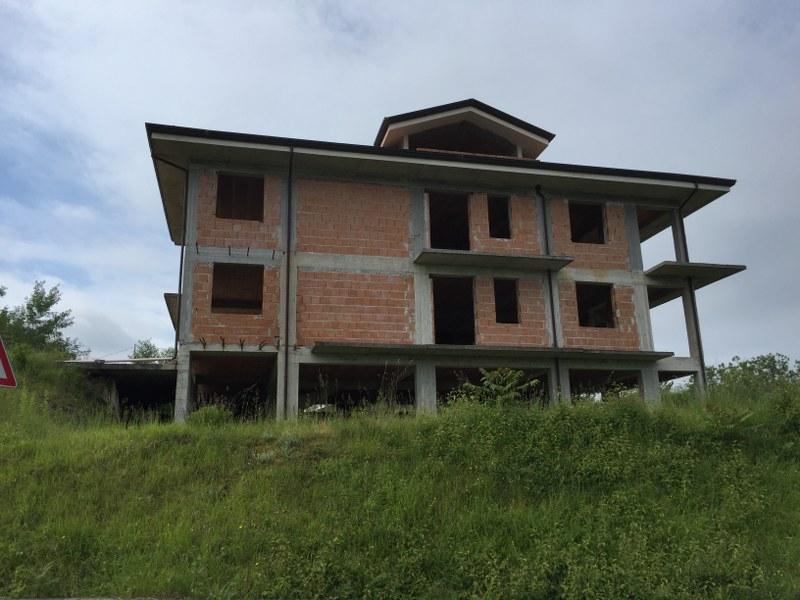 Rustico / Casale in vendita a Arpino, 20 locali, Trattative riservate | Cambio Casa.it