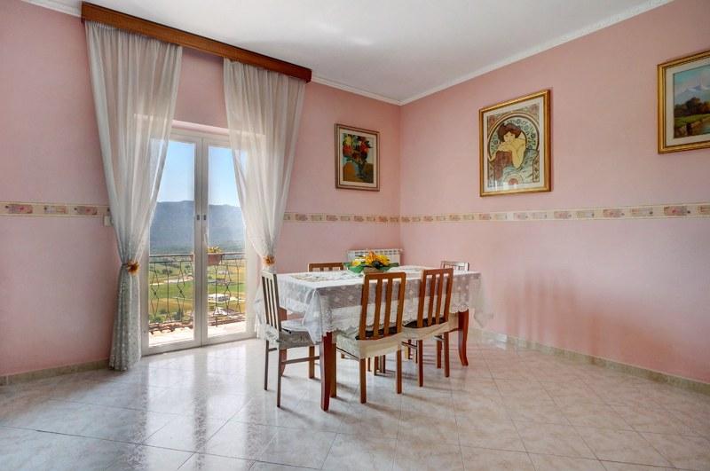 Appartamento in vendita a Alvito, 5 locali, prezzo € 75.000 | Cambio Casa.it
