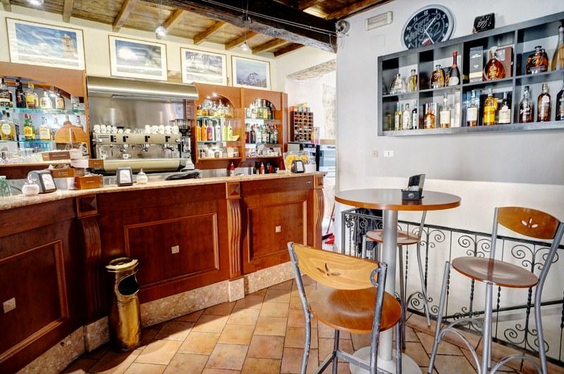 Attività / Licenza in vendita a Arpino, 9999 locali, prezzo € 200.000 | CambioCasa.it