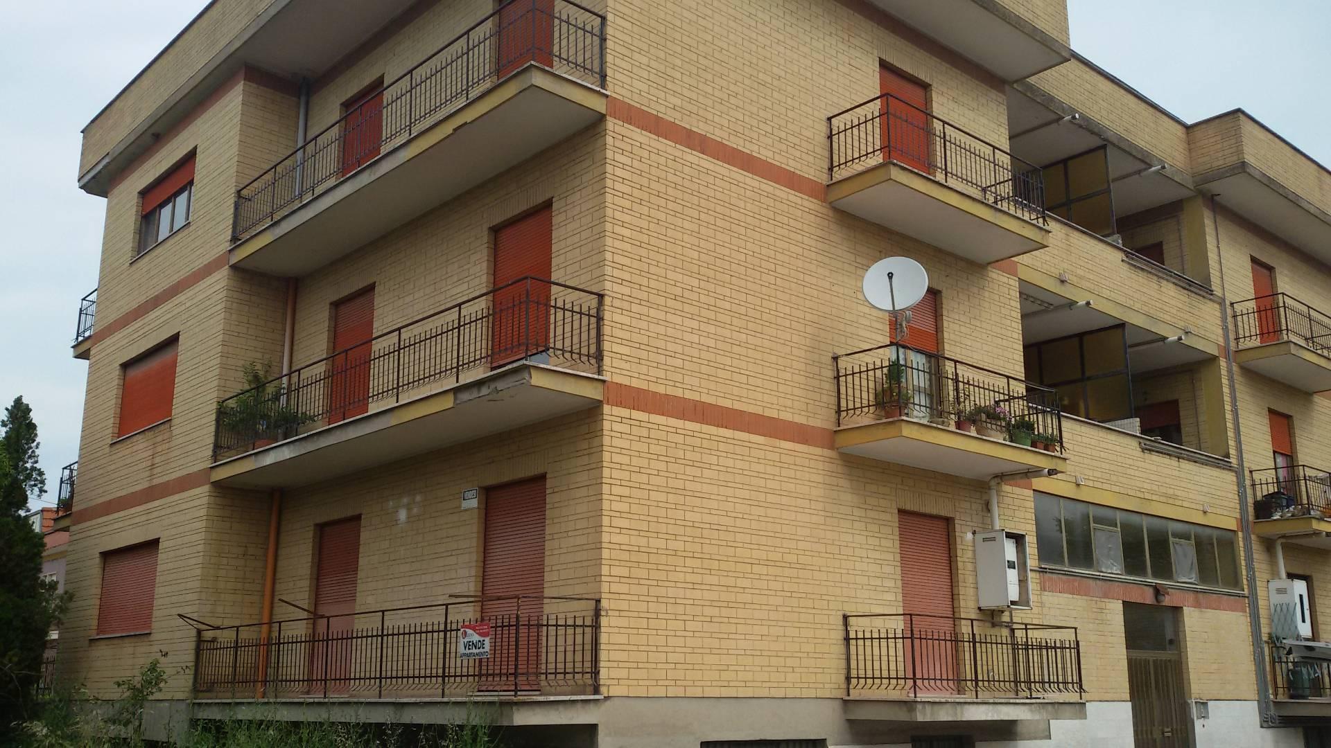 Appartamento in vendita a Roccasecca, 7 locali, prezzo € 88.000 | Cambio Casa.it