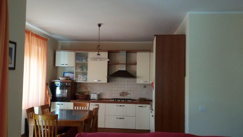 Appartamento in vendita a Roccasecca, 8 locali, zona Località: Stazione, Trattative riservate | Cambio Casa.it
