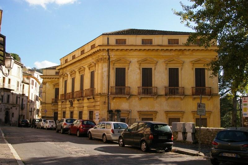 Rustico / Casale in vendita a Arpino, 20 locali, prezzo € 346.844 | Cambio Casa.it