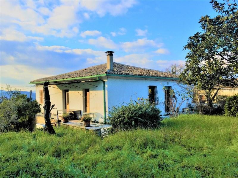 Soluzione Indipendente in vendita a Arpino, 12 locali, prezzo € 150.000 | Cambio Casa.it