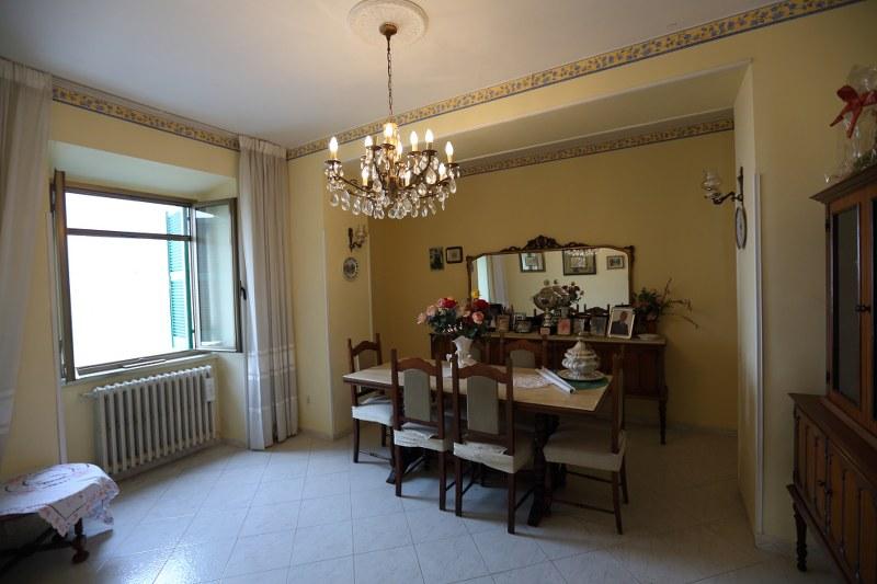 Appartamento in vendita a Pontecorvo, 6 locali, prezzo € 68.000 | CambioCasa.it