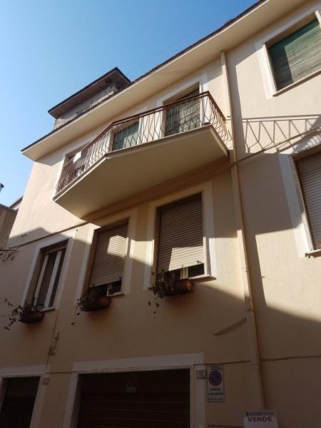 Appartamento in vendita a Pontecorvo, 6 locali, prezzo € 53.000 | CambioCasa.it