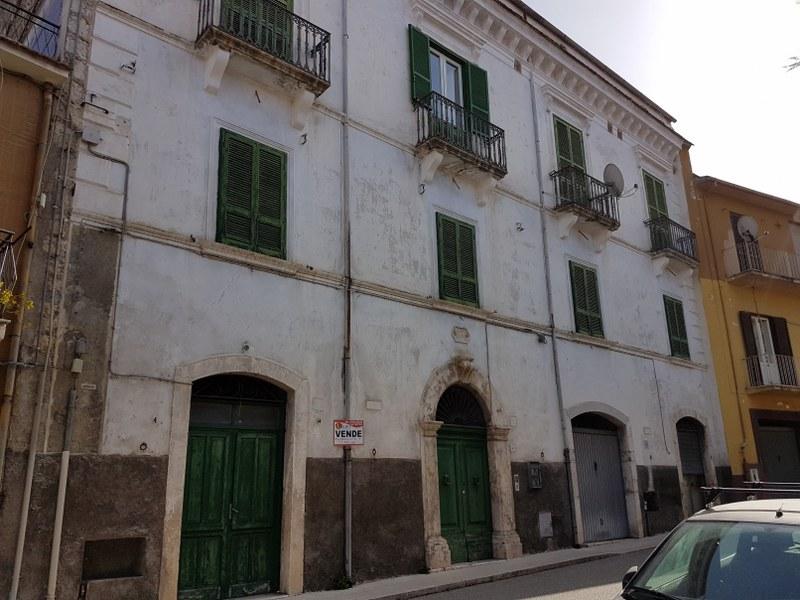 Appartamento in vendita a Roccasecca, 7 locali, prezzo € 105.000 | CambioCasa.it