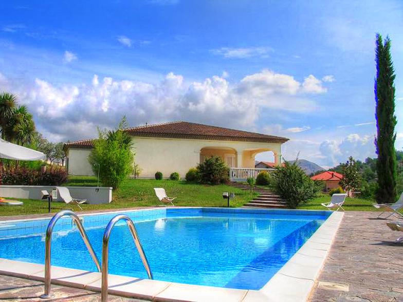 Villa in vendita a Santopadre, 18 locali, zona Zona: Ciaiali, Trattative riservate | CambioCasa.it