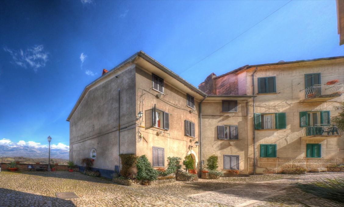 Appartamento in vendita a Atina, 5 locali, prezzo € 55.000 | CambioCasa.it