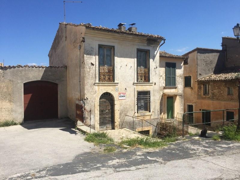 Palazzo / Stabile in vendita a Arpino, 5 locali, prezzo € 98.000 | CambioCasa.it