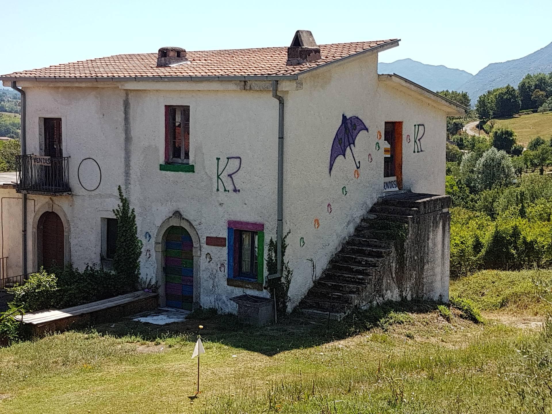 Soluzione Indipendente in vendita a Casalvieri, 10 locali, zona Zona: Fallena, prezzo € 48.000 | CambioCasa.it